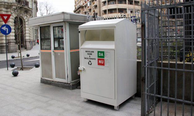 Primul container din București pentru colectarea hainelor c...